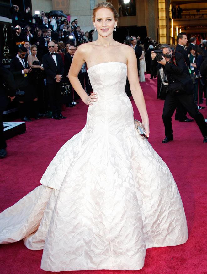 Oscar is a trip for Jennifer Lawrence - Movies News