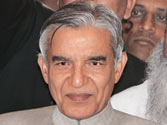 Rail Budget 2013: Pawan Kumar Bansal's self-imposed austerity may hit expansion plans, result in Rs 24,600 cr loss
