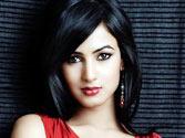 Sonal turns singer for 3G