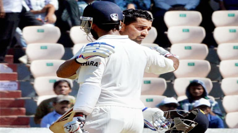 Murali Vijay with Cheteshwar Pujara during the Day 3 of second Test match against Australia