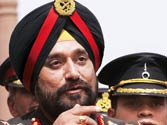 Army chief refuses to comment on Pakistan PM's visit