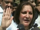 Irked by question on her link with SP, Jaya Prada threatens to slap journalist in Pratapgarh