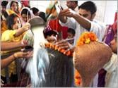 Devotees throng temples on Maha Shivratri