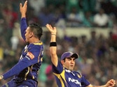 Match Report: Defending champions Knight Riders beat Daredevils by 6 wickets