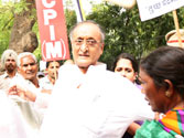 Violence erupts in West Bengal after SFI attack on Amit Mitra