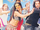 Sunny Leone singes the dance floor in her debut item song Laila Teri Le Legi