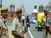 Delhi Police nabs eight shopkeepers for selling mobile phones loaded with pornographic clippings