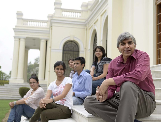Vice-chancellor Dinesh Singh with students