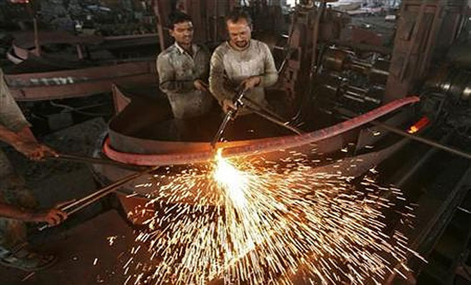 GDP growth hits decade's low