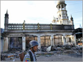 One dead as Buddhist mobs attack Muslim homes for 2nd day in Myanmar
