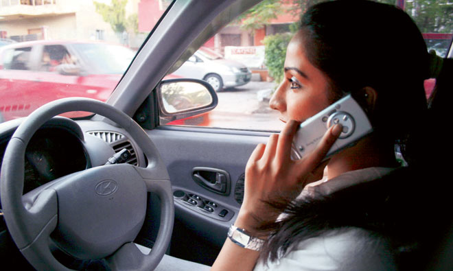 talking cell phone while driving essays A good thesis statement for the negatives of driving while talking on your cell phone while driving essay about how using a cell phone while.