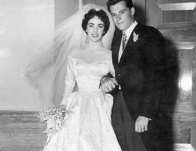 Elizabeth Taylors First Wedding Dress Up For Auction Movies News