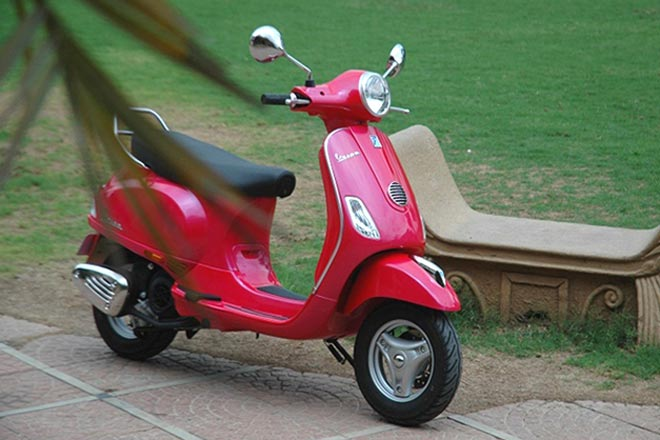 Vespa VX Scooter ready for launch in India