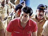 1 jail officer, 3 policemen suspended in Abu Salem attack case