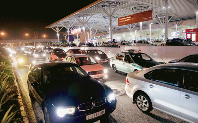 Paid pickup services outside domestic airport in Delhi