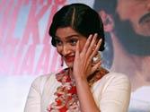 Sonam Kapoor teary-eyed at Bhaag Milkha Bhaag promo launch