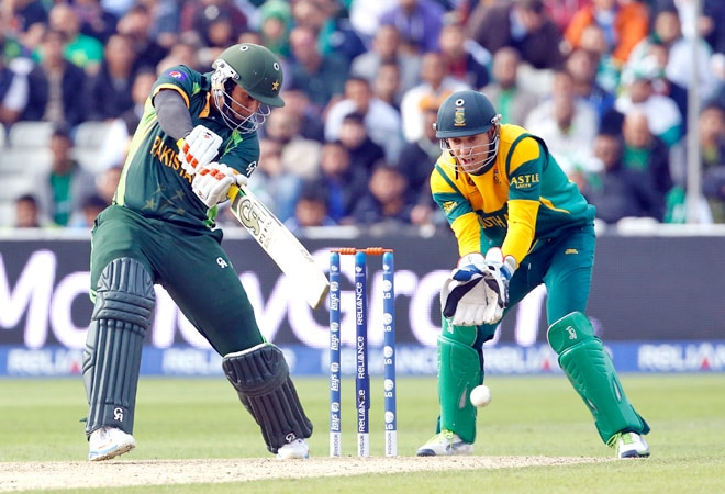 From left: Nasir Jamshed and AB de Villiers