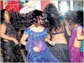 Supreme Court to decide on women's right to dance in bars in Maharashtra