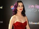 Katy Perry texts Kristen Stewart to explain friendship with Pattinson
