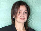 Filmmaker Pooja Bhatt in a spat with Udaipur SP at her film's shoot