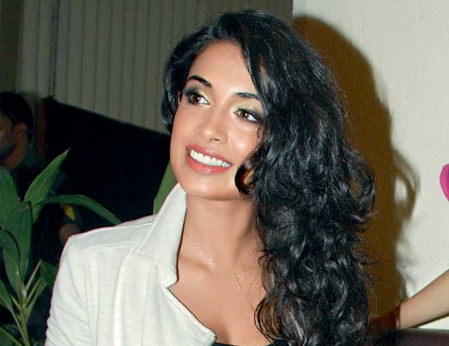I have faced the horror of casting couch sarah jane dias - Casting couch in indian film industry ...