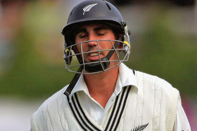 Kiwi star Mathew Sinclair quits cricket to seek dole for family ...