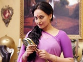 People discouraged me from taking up Lootera: Sonakshi