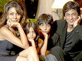 Sha Rukh Khan with his family