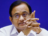 Finance Minister P Chidambaram to meet FIIs, bankers today, discuss current economic situation