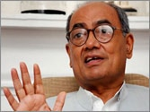 Digvijaya Singh asks Asaram Bapu to present him before Jodhpur police