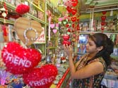 Friendship Day: Goodbye bands, welcome e-gifts