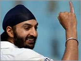 Monty Panesar's Doosra! England bowler apologises for urinating on bouncers