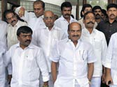 7 Congress MPs from Andhra resign against Telangana
