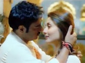Watch: Ajay, Kareena romance in Satyagraha