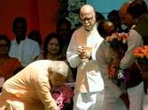 Narendra Modi, LK Advani and Rajnath share dais in Bhopal
