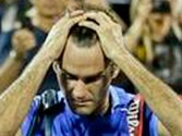Self-destructive Federer bounces out of US Open, loses in straight sets to Robredo