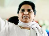Mayawati attacks SP govt for Muzaffarnagar violence, demands President's rule