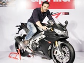 Piaggio honours John Abraham with the Aprilia RSV4