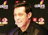 Bigg Boss 7 starts with SRK joke