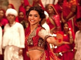 Deepika Padukone 'escapes' rotten eggs and tomatoes