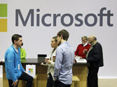 Microsoft updates Windows software for cellphones to feature driving mode