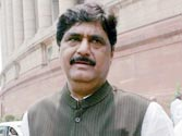 Sharad Pawar vs Gopinath Munde fight over MCA goes to court