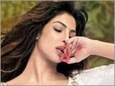 Watch: Priyanka Chopra's sensuous moves in 'Ram Chahe Leela' from Ram Leela