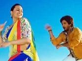 Watch: Shahid and Sonakshi's wacky dance moves in 'Saree Ke Fall Sa' from R...Rajkumar