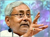 Nitish claims neither BJP nor Congress will come to power in 2014