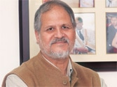 Delhi elections results 2013: Najeeb Jung to call on BJP, AAP after hung Assembly