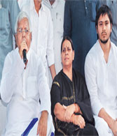 Lalu breathes life into RJD after SC agrees to grant him bail in fodder scam