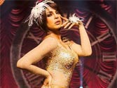 Priyanka sizzles in Gunday cabaret act