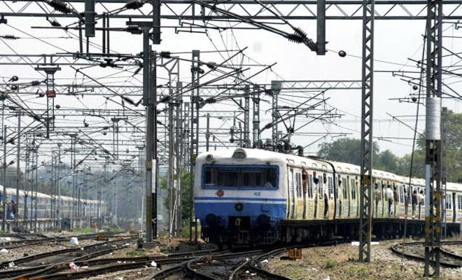 Accident averted as trains come on same line in Sealdah