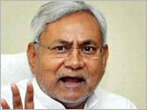 Why is UPSC is partial to English, asks Nitish Kumar